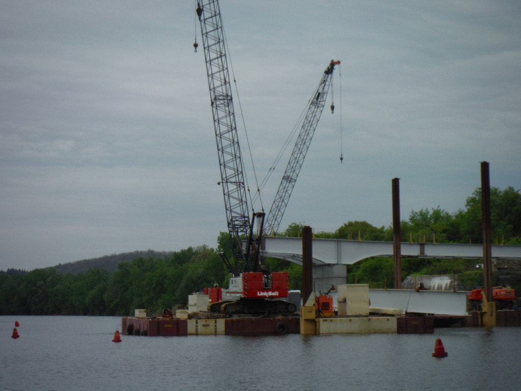 we saw all sorts of barge building, dredging and generally working very hard